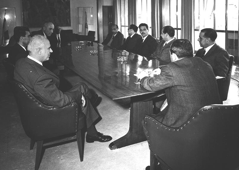 Riunione della Giunta regionale presieduta dll'On. Giovanni Del Rio